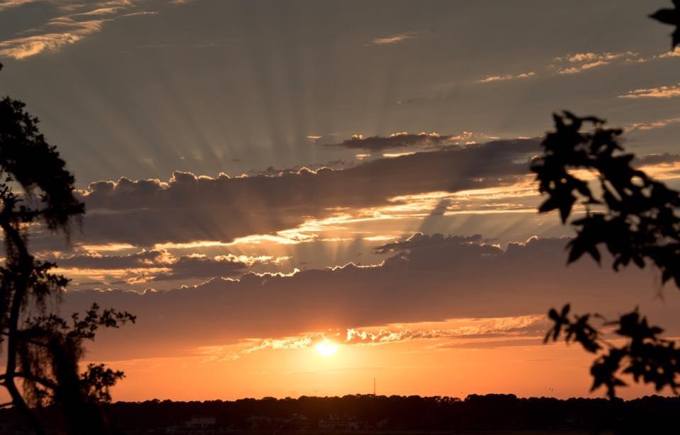 Sun ray sunset in Savannah, Georgia. Photographed by Kristen M. Brown, Samba to the Sea.